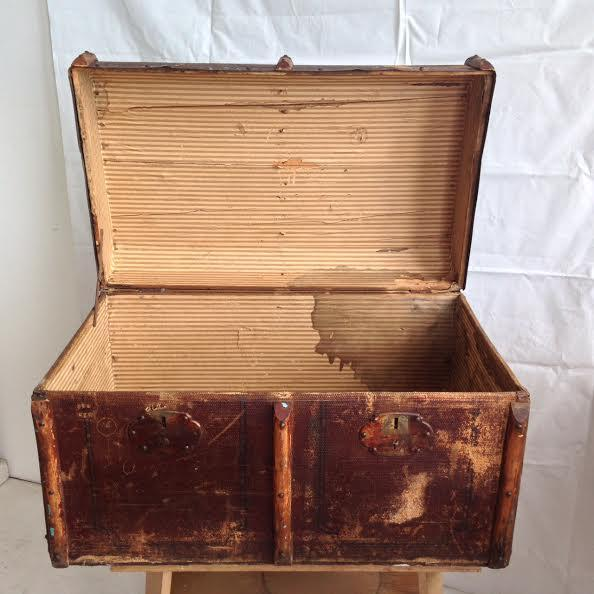 Vintage Distressed Trunk - Image 5 of 7