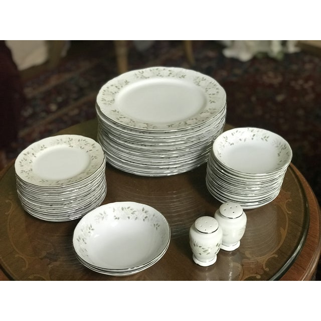 Classy ,Vintage Sheffield Fine China Classic 501 ,Reduced Set for 11 For Sale - Image 9 of 11