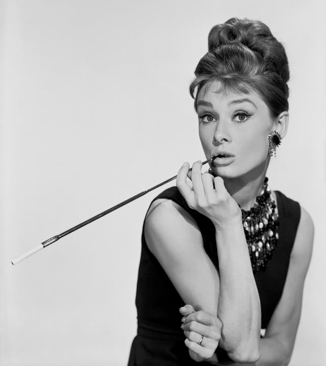 Distinguished Audrey Hepburn in Breakfast at Tiffanys 1961 DECASO