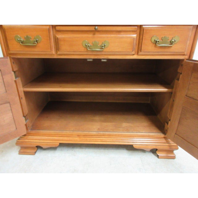Maple Vintage Conant Ball Maple Server For Sale - Image 7 of 11