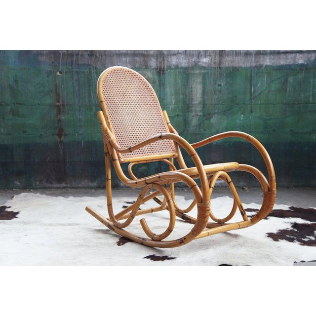 Beautiful MCM Boho Original vintage Rocking chair from the 60s or 70s, in excellent condition! Very sturdy and...