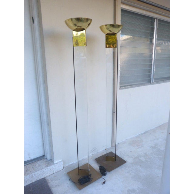 Italian 1970s Italian Architectural Skyscraper Lucite and Brass Floor Lamps - a Pair For Sale - Image 3 of 9