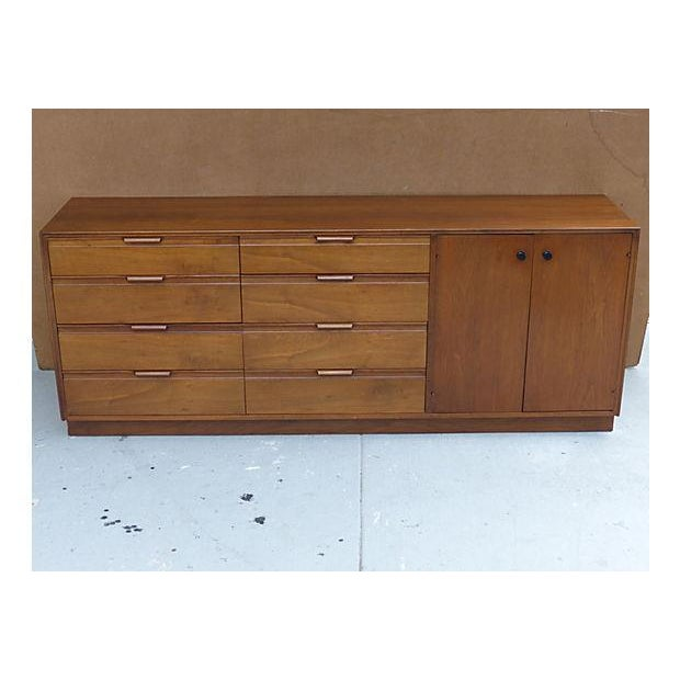 Mid-Century Modern 1960s American of Martinsville Dresser For Sale - Image 3 of 11