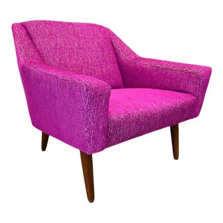 1960s Mid Century Danish Modern Reupholstered Restored Purple Textured Lounge Chair Attributed to G. Thams For Sale