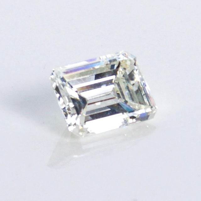 1970s Stunning Emerald Cut Diamond Stone 4.08 Carat, Gia Certified Report For Sale - Image 5 of 9