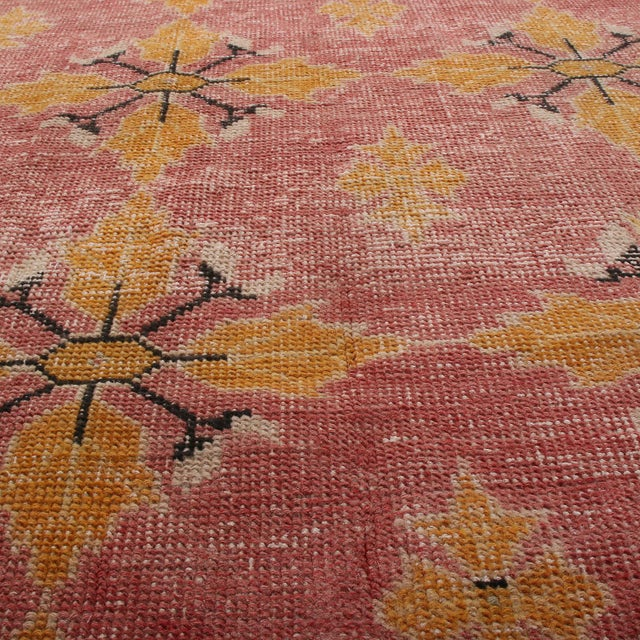 Vintage Mid-Century Pink and Gold Wool Rug-4′3″ × 7′7″ For Sale In New York - Image 6 of 9