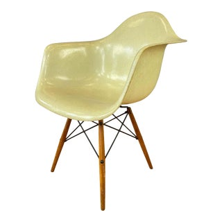 1st Edition Zenith Plastics Rope Edge Paw Chair Charles Eames for Herman Miller For Sale