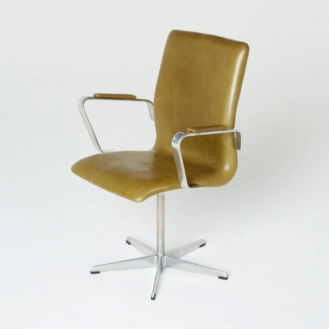 Arne Jacobsen Leather Oxford Chair - Image 7 of 11