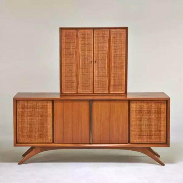 1950s Floating Liquor Cabinet by Vladimir Kagan for Grosfeld House For Sale In New York - Image 6 of 13