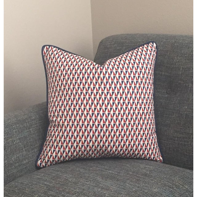 2010s Schumacher Mid-Century Modern Frank Lloyd Wright Designer Pillow Cover With Navy Piping - 20x20 For Sale - Image 5 of 6