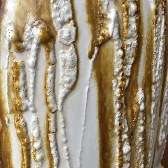Beautiful Vintage Mid Century Modern Large Drip Glaze Table Lamp For Sale In Miami - Image 6 of 8