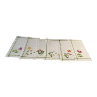 Vintage English Embroidered English Flowers Linen Napkins - Set of 6 For Sale