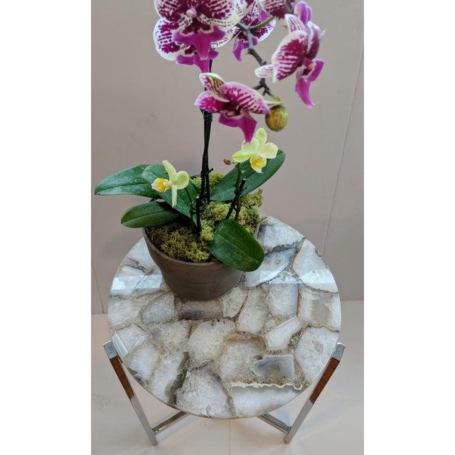 Christopher Kreiling Jonathan Adler Inspired Chrome and Agate Slice Accent Table For Sale - Image 4 of 13