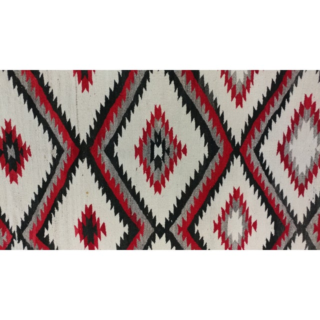 "Navajo Vintage Hand Woven Wool Rug - 4'6"" x 7'6"" For Sale - Image 5 of 10"