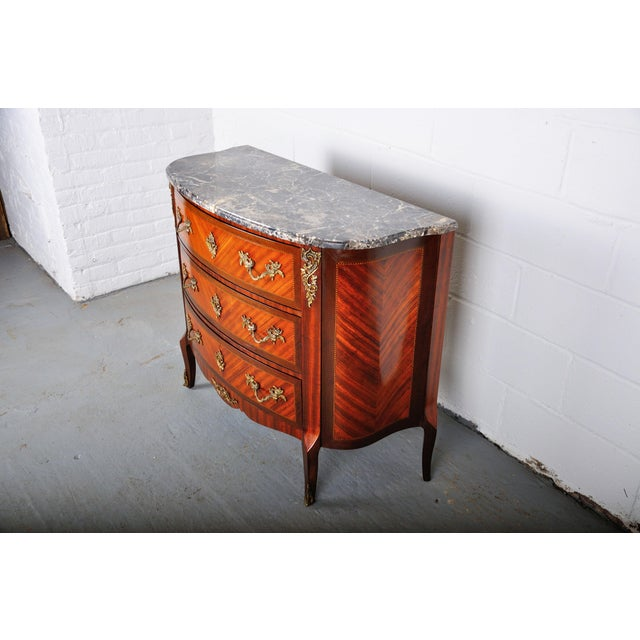 Antique French Louis XV Mahogany Inlay Marquetry Large Commode W/ Marble Top For Sale - Image 4 of 13