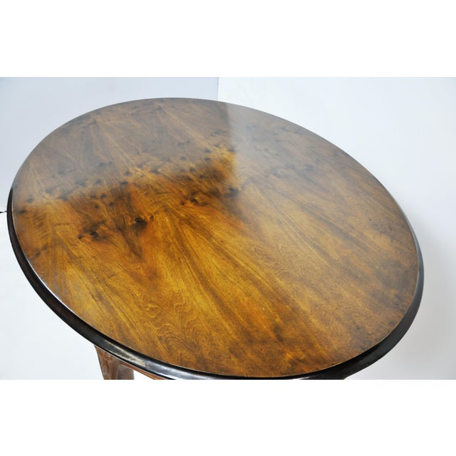 Vintage French Oval Queen Anne Cherry Wood Dining Table Circa 1960 For Sale In New York - Image 6 of 13