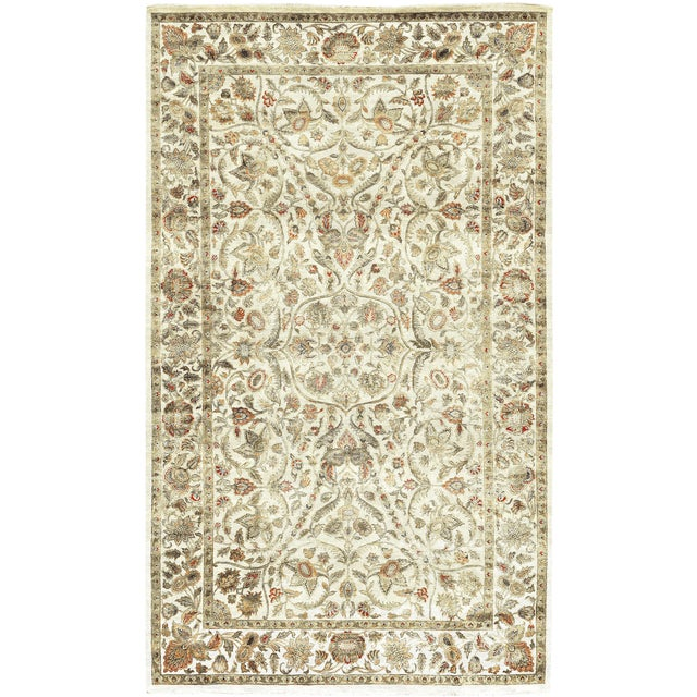 Traditional Hand Woven Rug - 8'11 X 14'11 For Sale