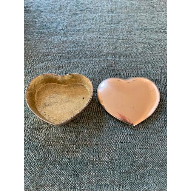 Hollywood Regency 1950s Heart Brass Trinket Box For Sale - Image 3 of 7