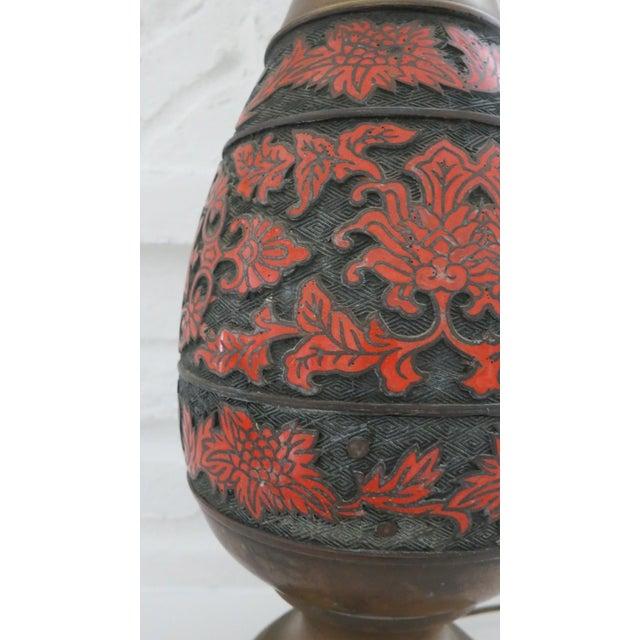 Boho Chic 1960s Cloisonne Enamel & Champleve Brass Burnt Orange Large Table Lamp For Sale - Image 3 of 9