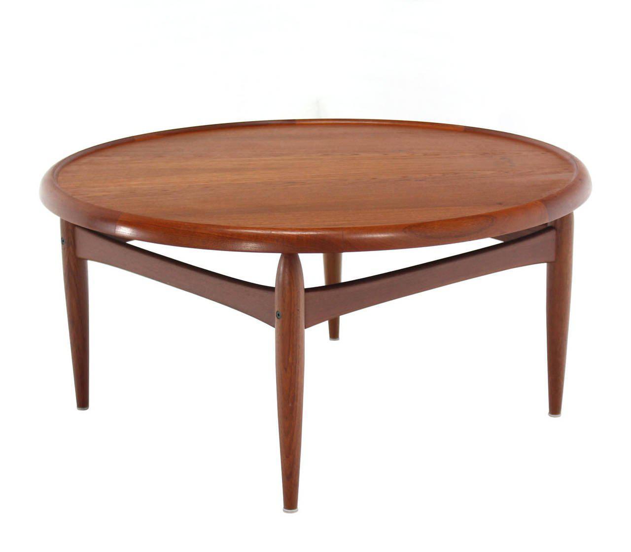 Amazing Reversible Flip Top Danish Modern Round Teak Coffee Table   Image 2 Of 9