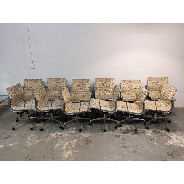 Herman Miller Eames Dot Fabric Aluminum Group Management Chair - Set of 10 For Sale - Image 10 of 10