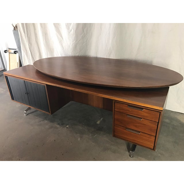 Mid-Century Modern Imperial Staggered Desk & Credenza For Sale - Image 3 of 11