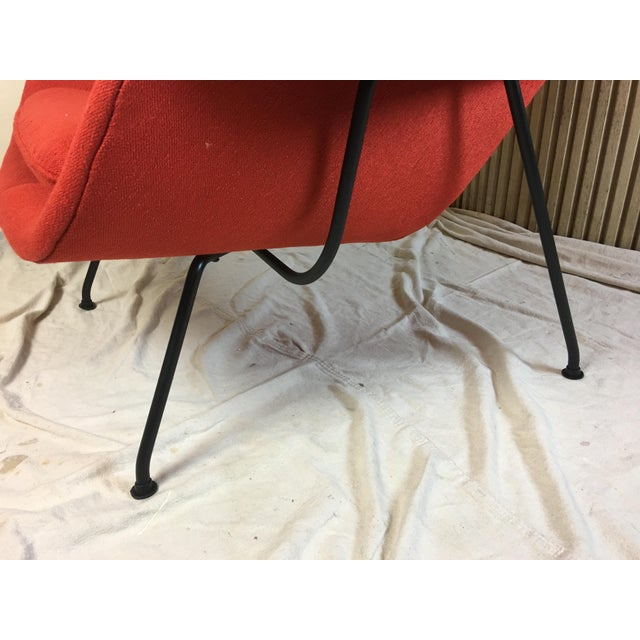 1950s Eero Saarinen for Knoll 1950s Womb Chair and Ottoman - a Pair For Sale - Image 5 of 13