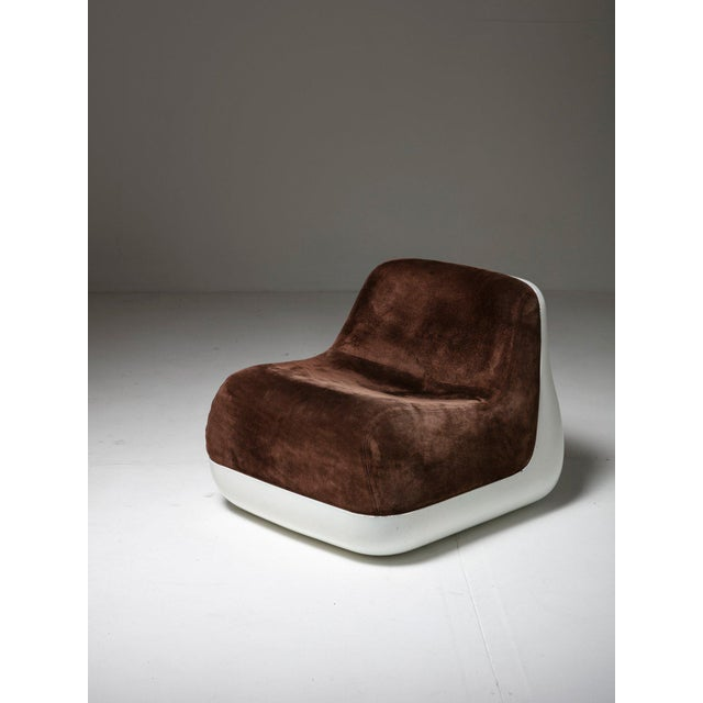 Set of two bedroom chairs by Alberto Rosselli for Saporiti. White fiberglass shell and soft velvet upholstery.