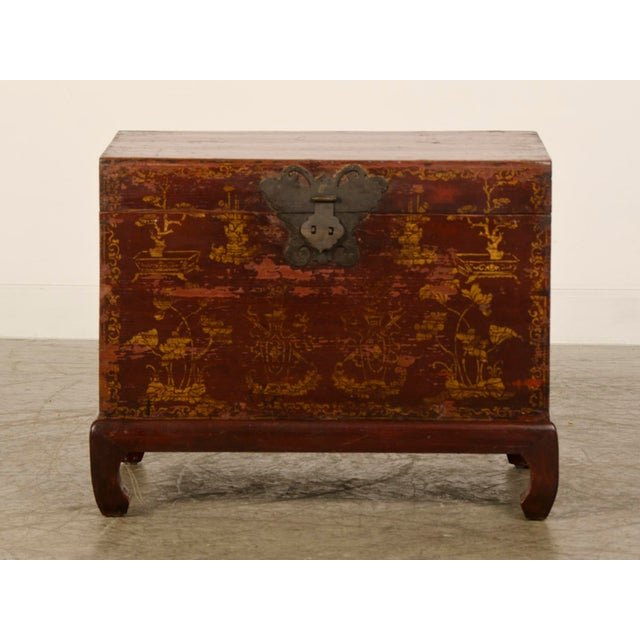 Asian Red Lacquer Antique Chinese Trunk Kuang Hsu Period circa 1875 For Sale - Image 3 of 11