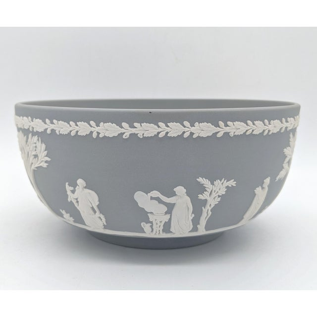 English 20th Century Wedgwood Jasperware Gray and White Bowl For Sale - Image 3 of 10
