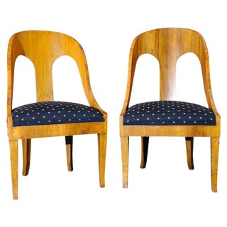 Pair of Classical Spoon Chairs For Sale