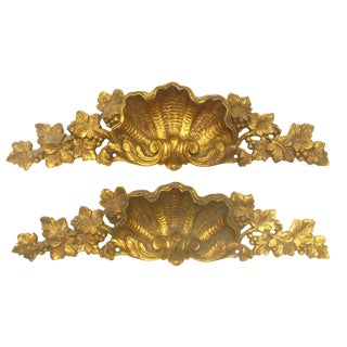 French Shell - Motif Bronze Doré Accents - A Pair For Sale