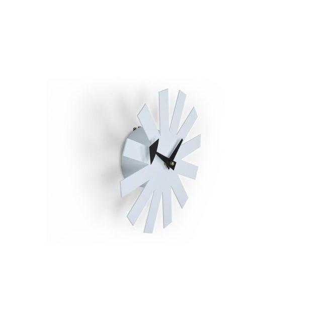 Mid-Century Modernist White Asterisk Clock For Sale - Image 4 of 6
