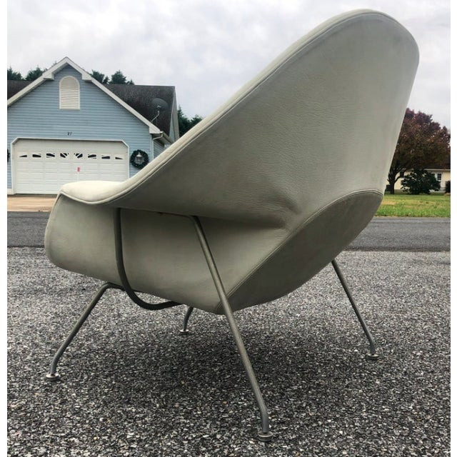 Metal 1960s Eero Saarinen Leather Womb Chair and Ottoman Knoll For Sale - Image 7 of 11