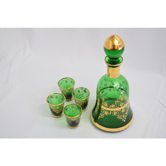 1950s 1950s Vintage Murano Glass 24k Gold Decanter Liqueur Set of 4 For Sale - Image 5 of 5