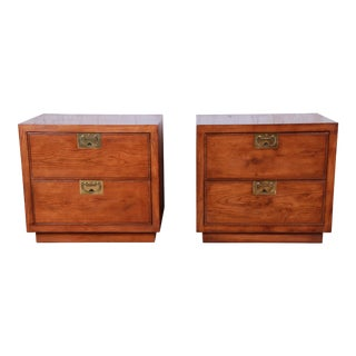 Henredon Campaign Style Oak Nightstands, Pair For Sale