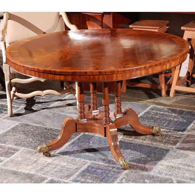 Traditional 1840s English Round Mahogany Breakfast Table For Sale - Image 3 of 9