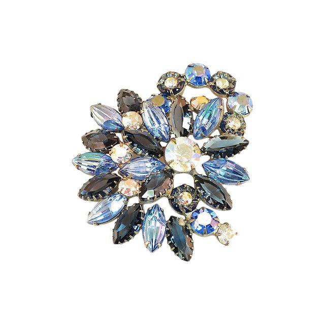 D&e Juliana Carved Blue Art Glass Brooch, 1960s For Sale
