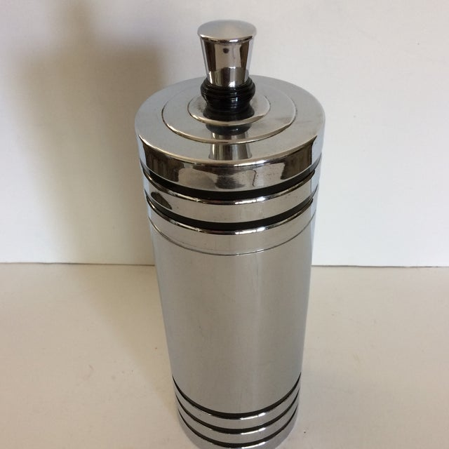 1930's Art Deco Chase Gaiety Chrome Cocktail Shaker For Sale - Image 5 of 9