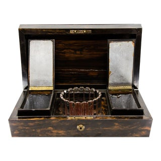 Antique Georgian Yew Wood Tea Caddy with Class and Internal Compartments For Sale
