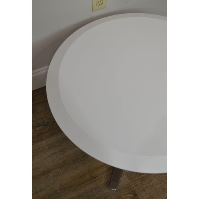 Cumberland Mid-Century Modern Style Pair Chrome Pedestal Base Round White Tables For Sale - Image 9 of 12