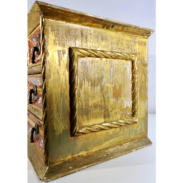 Early 20th Century Gold Gilt Chest With Reverse Painted Glass on Stand For Sale In Nashville - Image 6 of 11