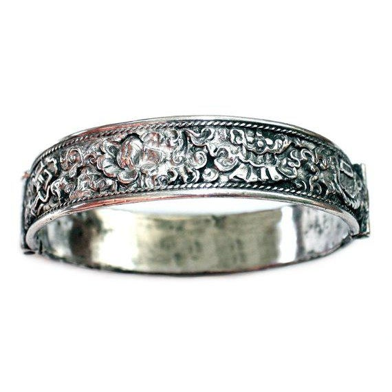 Antique Chinese Hinged Sterling Repoussé Bangle For Sale - Image 4 of 4