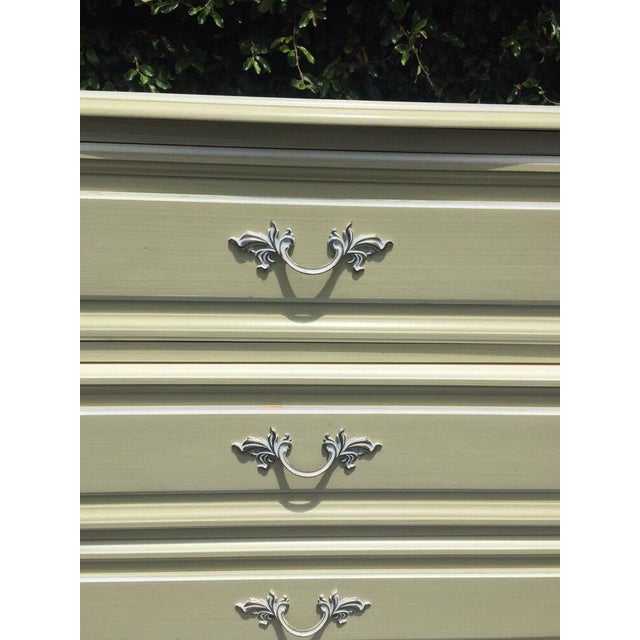 1960s Vintage French Provincial Chest of Drawers by Henry Link For Sale - Image 5 of 8