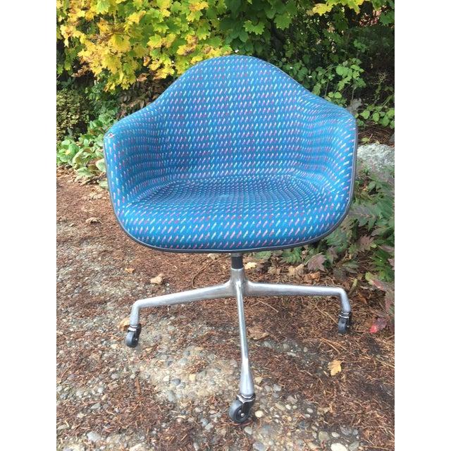 Herman Miller Fiberglass Swivel Office Chair - Image 3 of 7