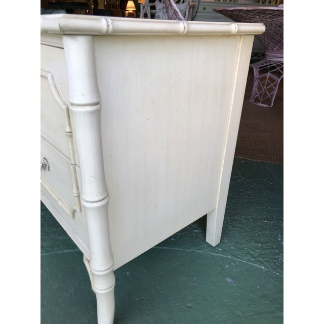 Dixie Vintage Dixie Faux Bamboo Fretwork Nightstands-A Pair For Sale - Image 4 of 12