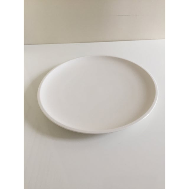 Villeroy & Boch Villeroy & Boch Artesano White Premium Porcelain Plates - A Pair For Sale - Image 4 of 7