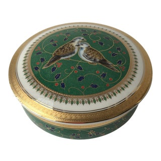 1999 Porcelain Mikasa Two Turtle Doves Green Holiday Trinket Christmas Box For Sale