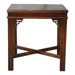 1980 Vintage Lane Altavista Chinese Chippendale Walnut End Side Table MCM 988 For Sale