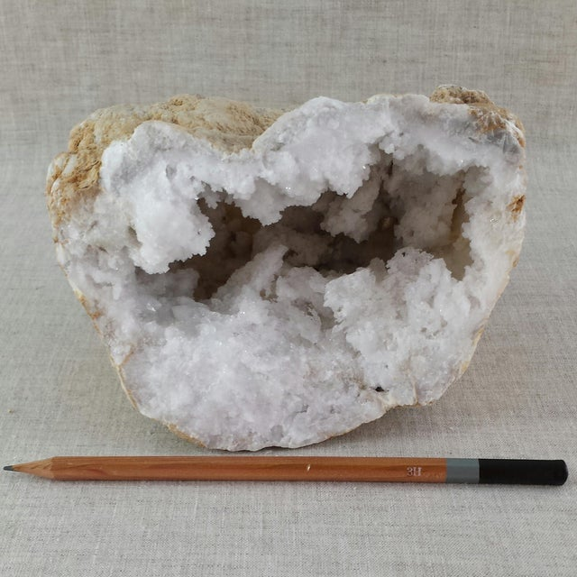 Quartz Geode Cluster - Image 3 of 9